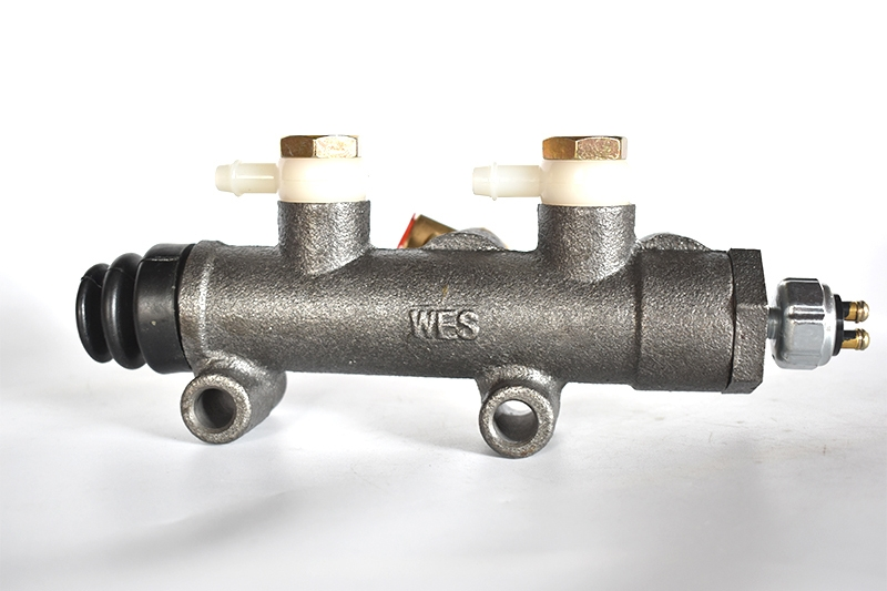 BJ130 double pipeline master cylinder (retrofit)